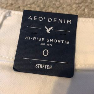 American Eagle Outfitters Shorts - AE high-rise white denim shorties sz 0